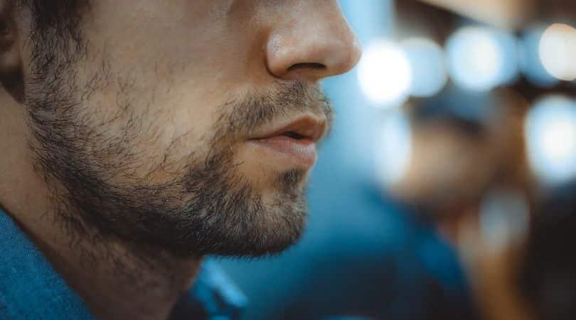 11 Störende Anzeichen von Gaslighting in einer Beziehung