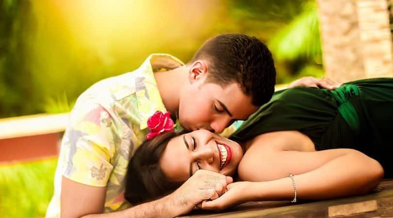 Psychologen sagen: Wir treffen drei große Lieben in unserem Leben