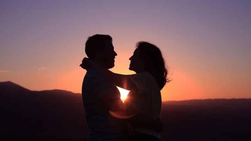 Unterschiede zwischen jemandem lieben und verliebt sein