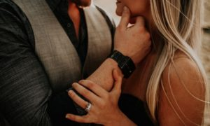 8 Dinge, die starke, unabhängige Frauen bei einem Mann wollen