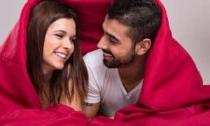 11 Dinge, die glückliche Paare tun, bevor sie schlafen gehen
